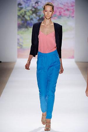 Синие брюки фото 5